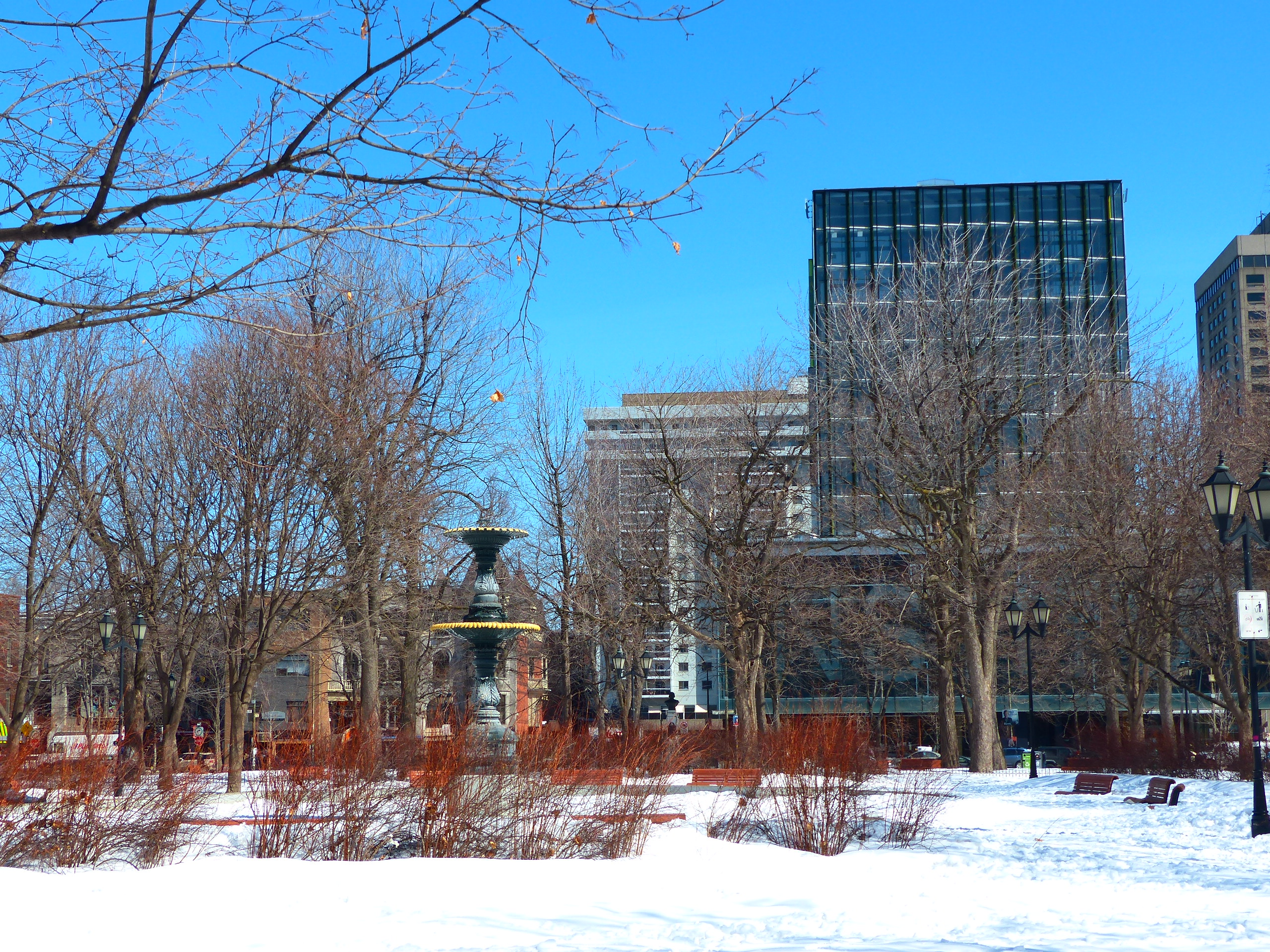 Montreal, Square Saint-Louis