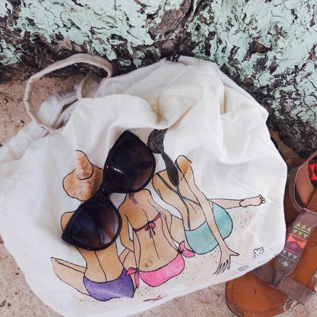Tote bag a la plage de l'Anse Bertrand