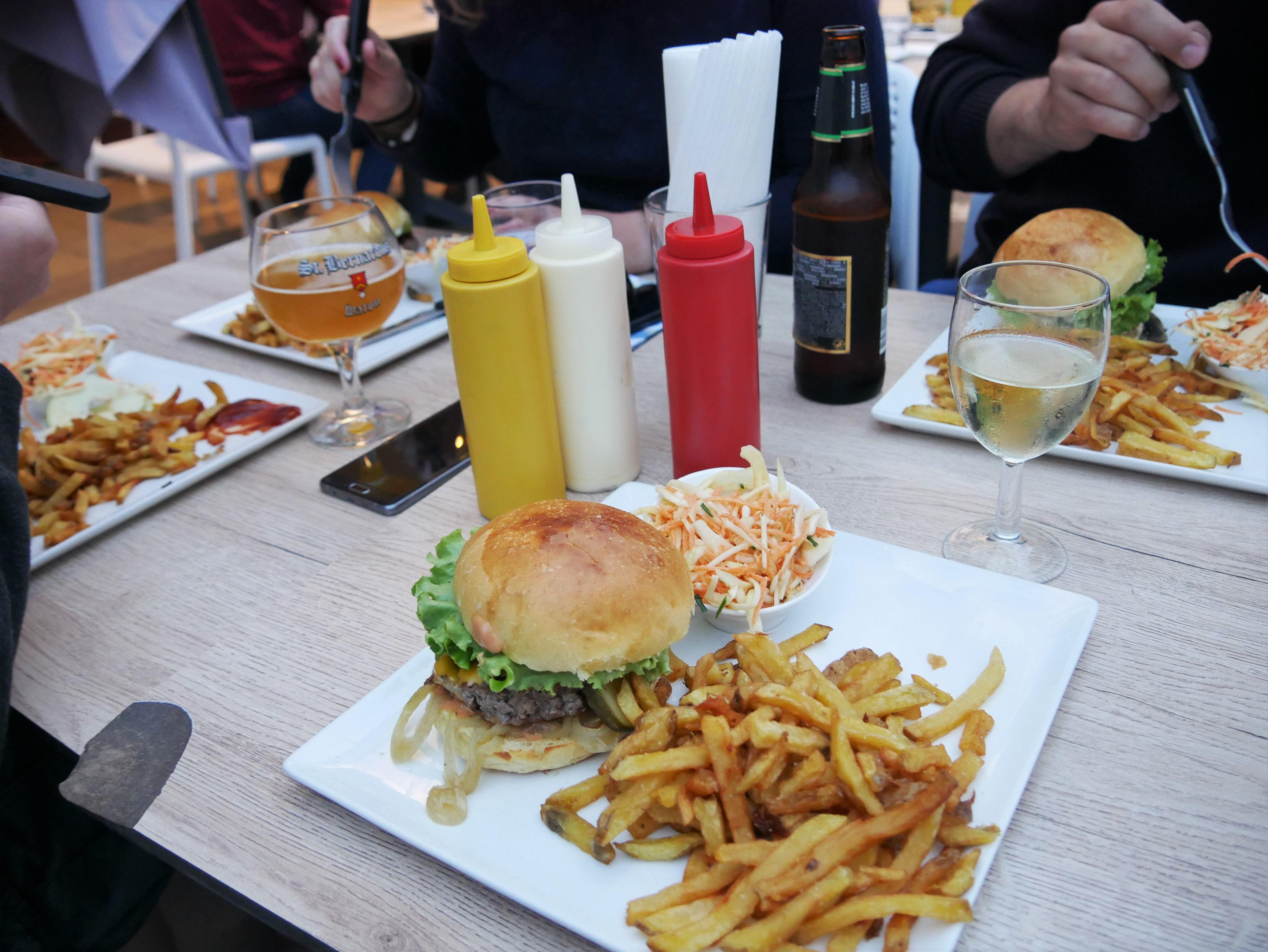 Foxy Burger
